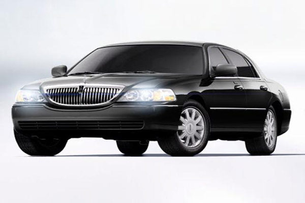 Brampton Lincoln Town Car Black